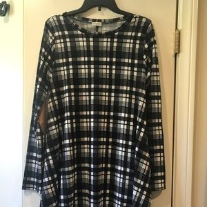 Medium black and white boutique dress or tunic